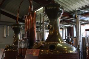 Produktionsraum mit Pot Stills nach schottischem Vorbild