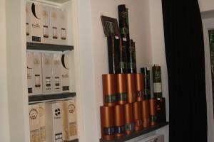 Im Portfolio des Whisky Barons spielen unabhängige Abfüller wie Duncan Taylor, Whisky Warehouse No. 8 und vor allem Cadenhead eine große Rolle