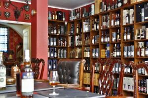 Im Sortiment von Scotch Broth Whisky spielen vor allem Einzelfassabfüllungen eine große Rolle. Foto (c) A. Hertl