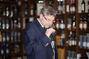 Dem Whiskyliebhaber Hertl haben es vor allem Vor- und Nachkriegswhiskies angetan. (Foto: (c) A. Hertl)