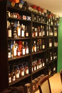 Die Whisky Lounge bietet für jeden Whiskygeschmack den richtigen Tropfen.
