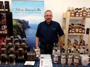 Tom Skowronek füllt die Seele Schottlands in Flaschen. Foto: (c) T. Skowronek