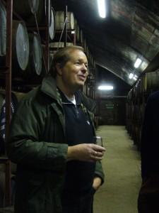 Regelmäßige Besuche in den Warehouses schottischer Brennereien (hier Tullibardine) sind ein wichtiger Teil im Berufsleben des unabhängigen Abfüllers. Foto: (c) T. Ide
