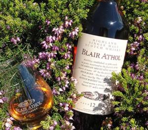 Der 12-jährige Blair Athol aus der Flora und Fauna-Serie gilt als Originalabfüllung der Brennerei. Foto: (c) Blair Athol Distillery/Diageo