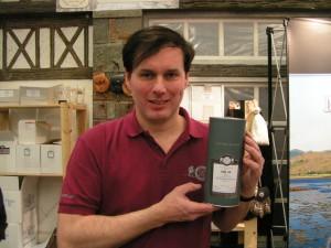 """Thomas Ewers präsentiert die Sonderabfüllung zur Nürnberger Whiskymesse """"The Village 2016"""": Ein 15-jähriger Caol Ila Port Cask Finish."""