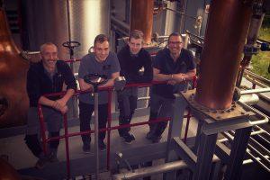 Das Wolfburn-Team: Iain Kerr, Charlie Fraser, Innes Macintosh, Shane Fraser (von links nach rechts). Foto: (c) Wolfburn Distillery