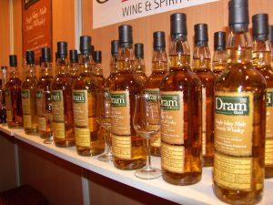 Zwei Einzelfässer bildeten den Anfang der C&S Dram Bottlings. Inzwischen wurden über 40.000 Liter Whisky abgefüllt. Foto: (c) A. Caminneci